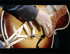 AR-GuitarCloseUp2225.jpg