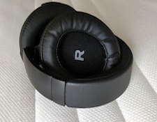 AR-headphone2253a.jpg