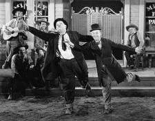 AR-Laurel&HardyWayOutWest450.jpg