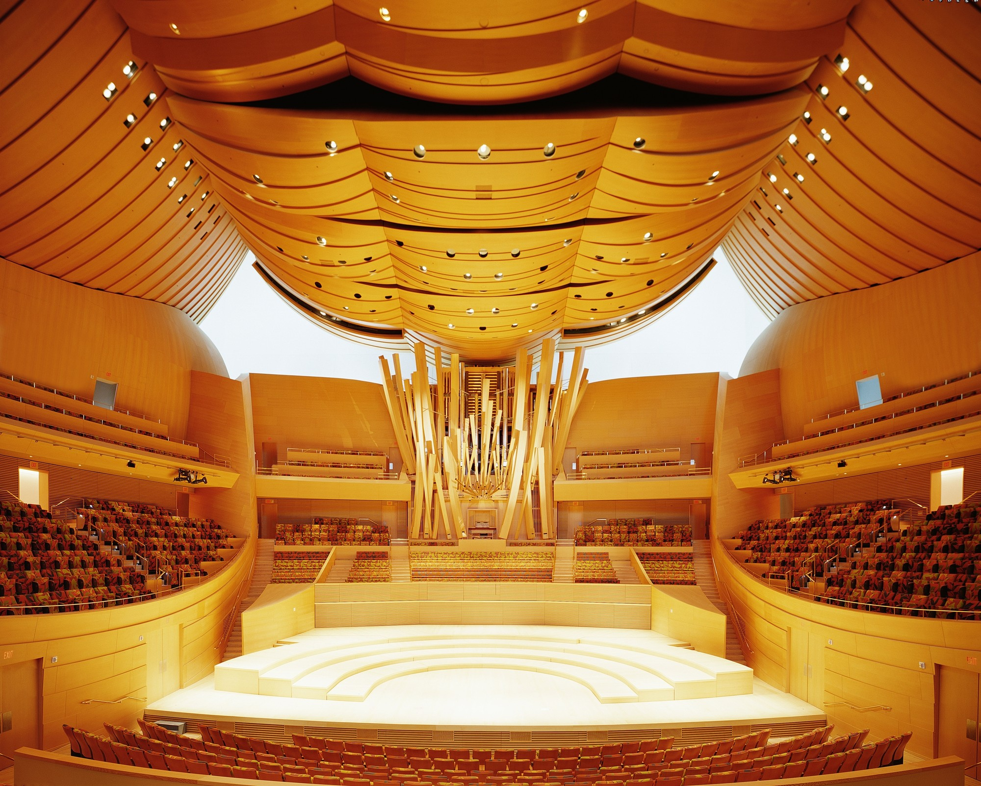 https://audiophilereview.com/images/13-DisneyHall-Interior.jpg