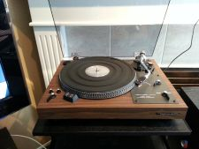 http://audiophilereview.com/images/628746-realistic_lab_400_turntable.jpg