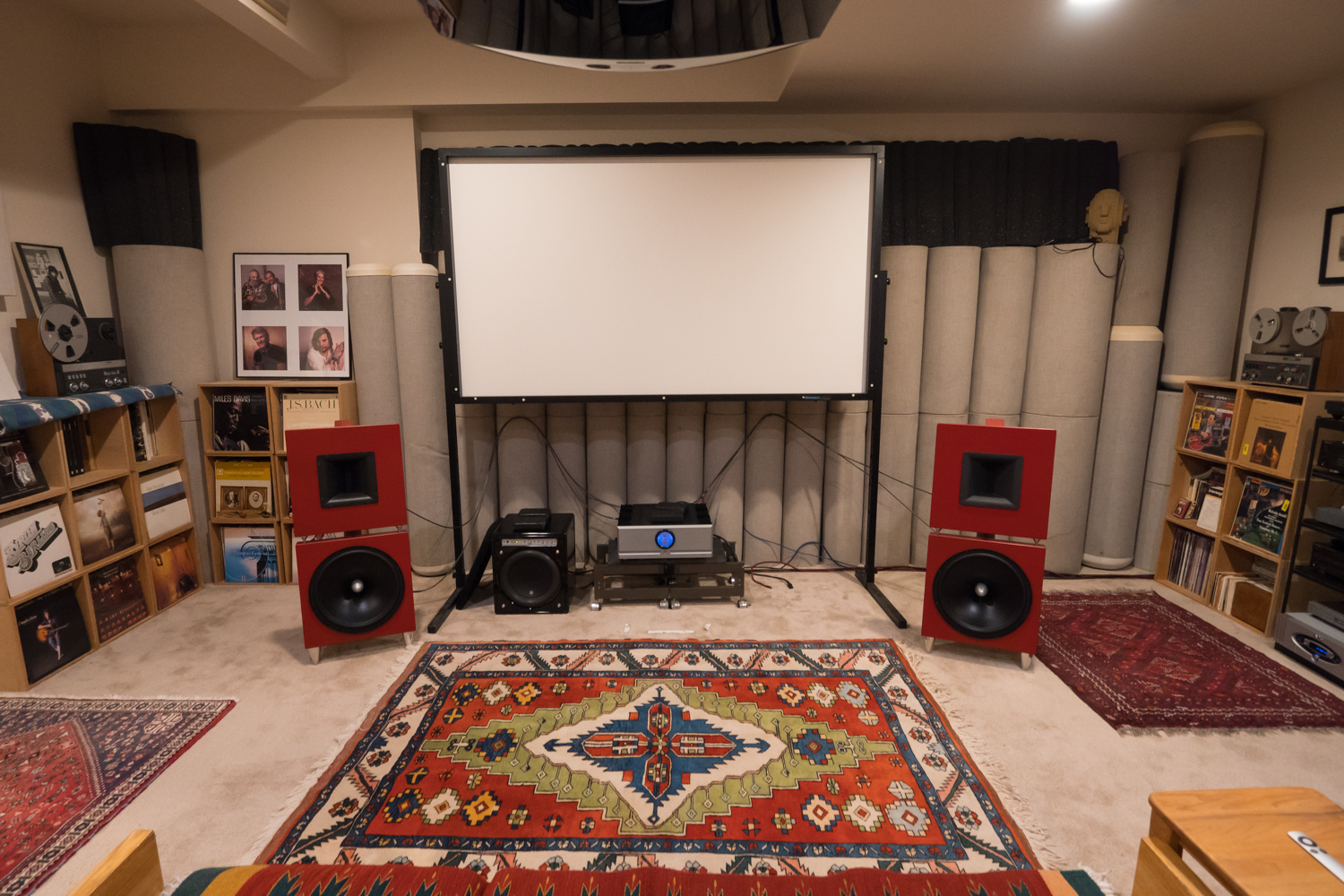 http://audiophilereview.com/images/CASmeeting1a.jpg