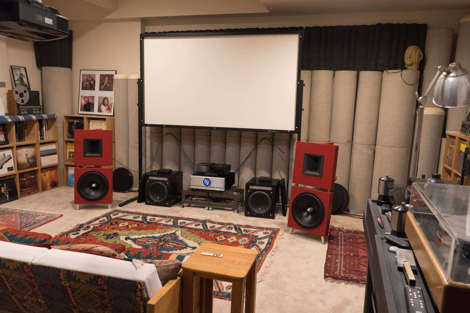 http://audiophilereview.com/images/CASmeeting3a.jpg