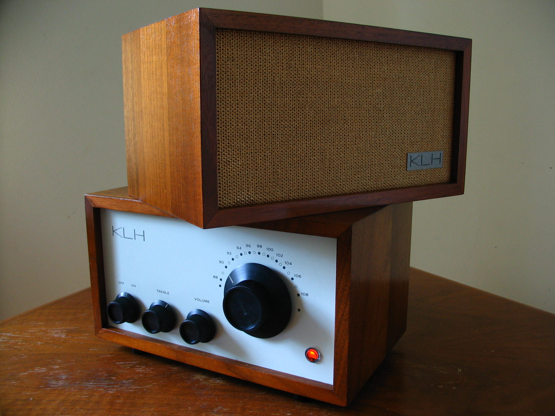 Table Radios For The 21st Century Audiophile Review