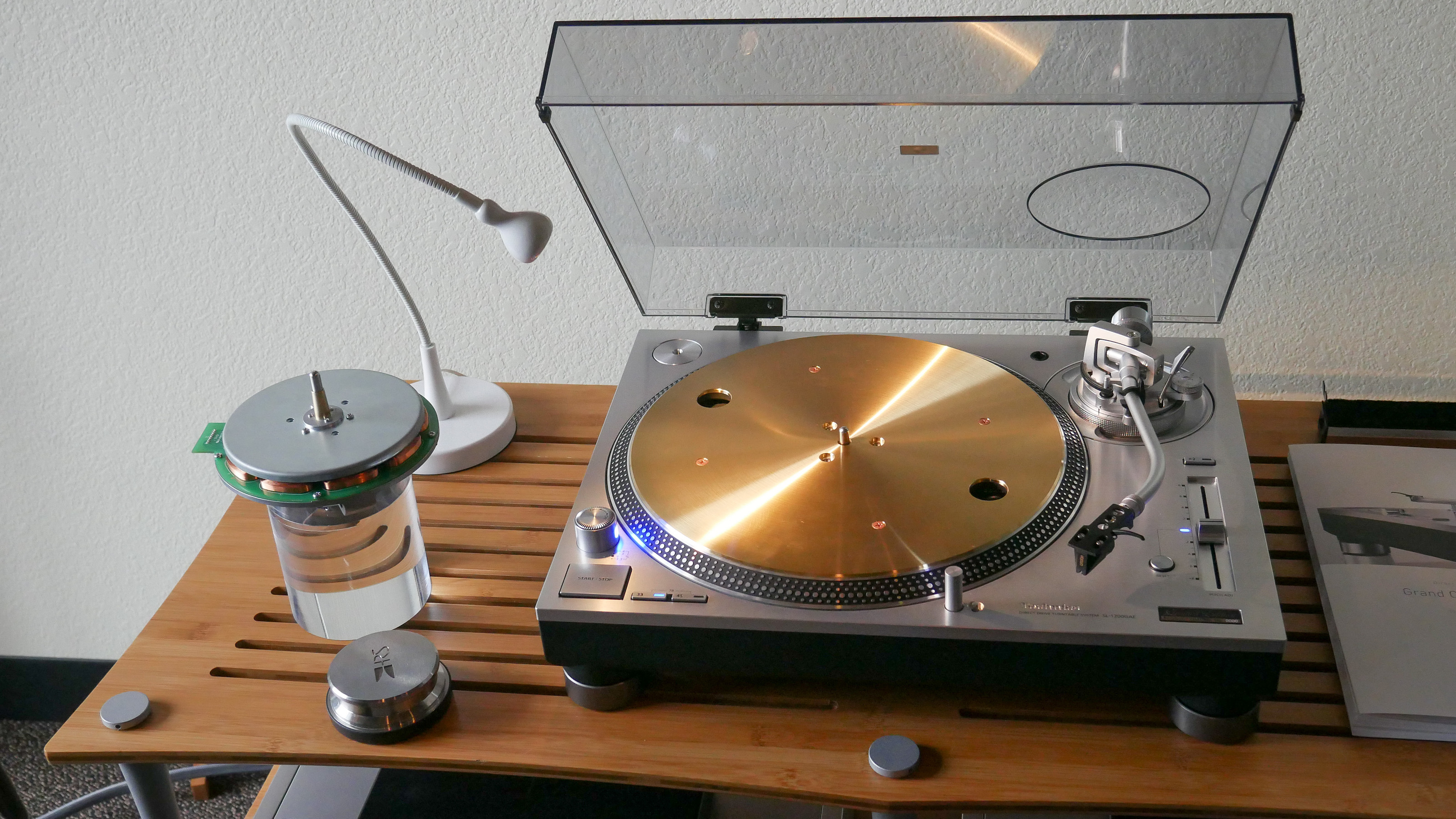 http://audiophilereview.com/images/Tec3.jpg
