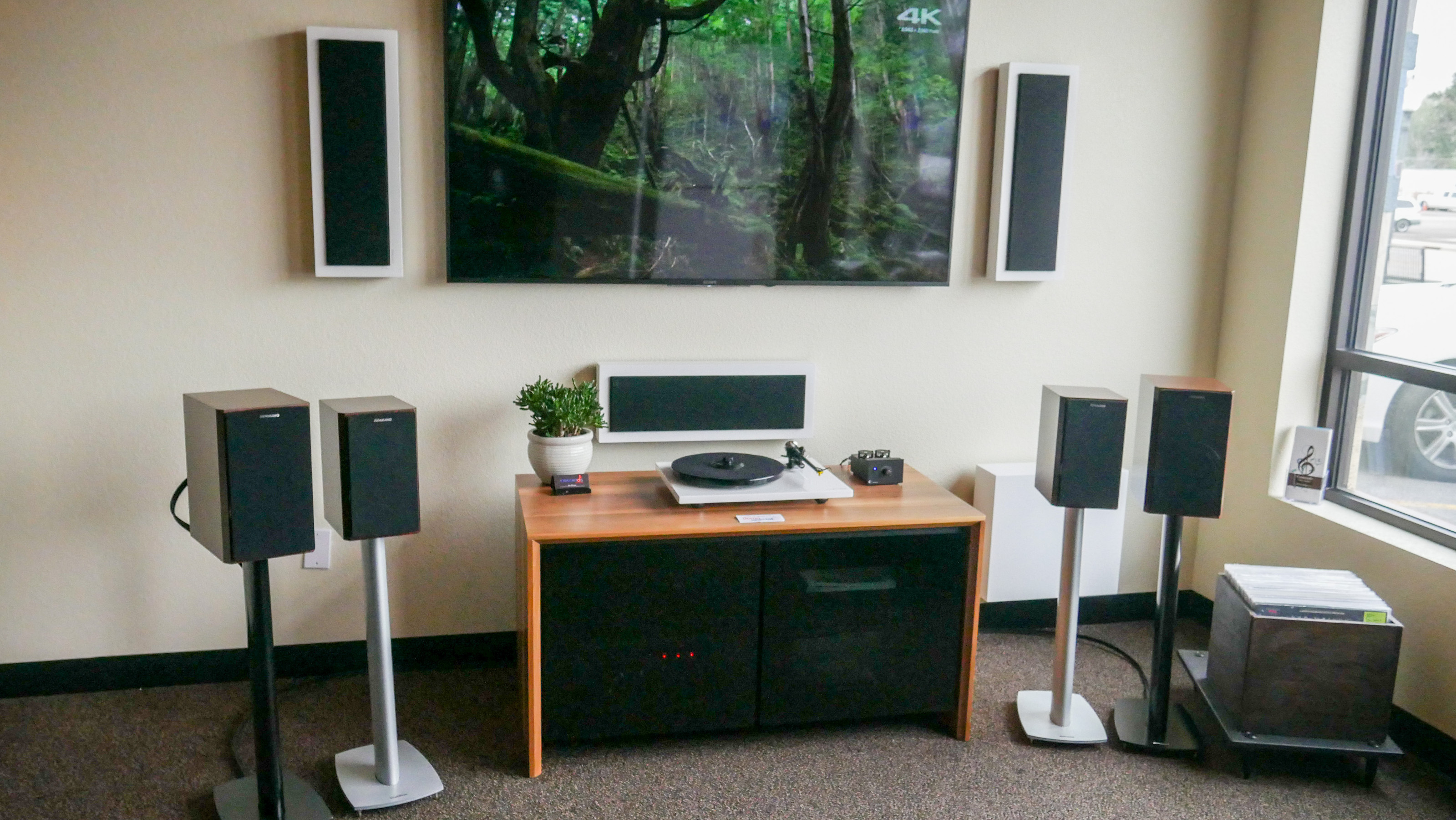 http://audiophilereview.com/images/Tec6.jpg
