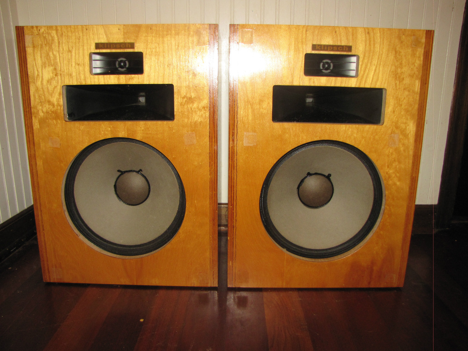 http://audiophilereview.com/images/bass94a.jpg