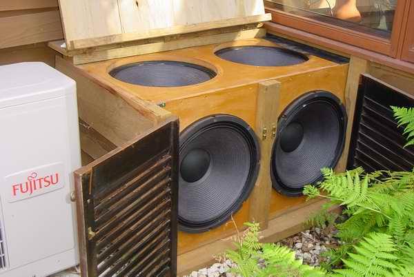 http://audiophilereview.com/images/betterbass5b.jpg
