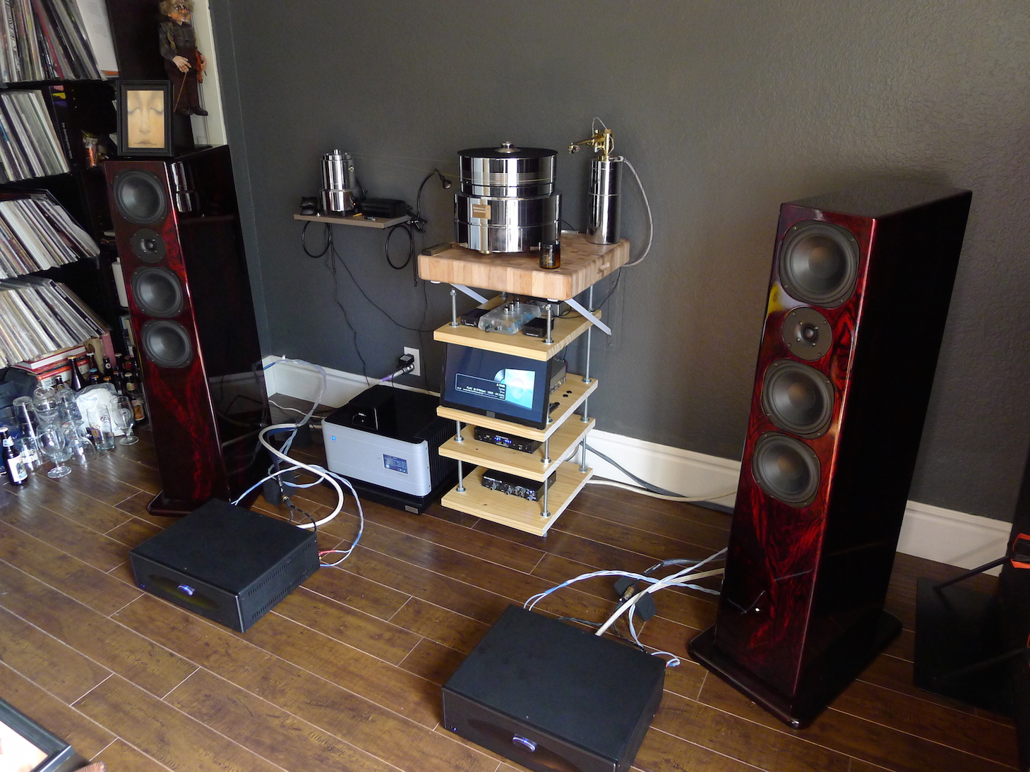 http://audiophilereview.com/images/diffears4a.jpg