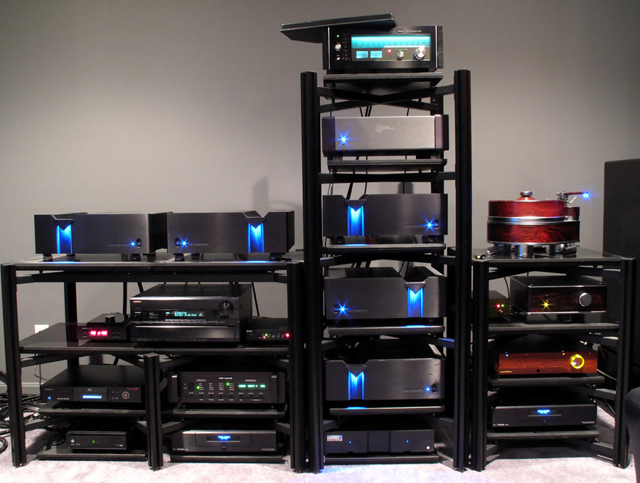 http://audiophilereview.com/images/isofraudio8a.jpg