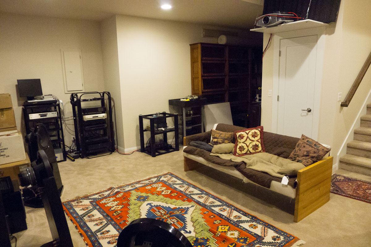 http://audiophilereview.com/images/main_room2.jpg