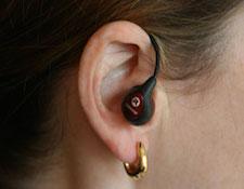 woman-wearing-earphone-275p.jpg